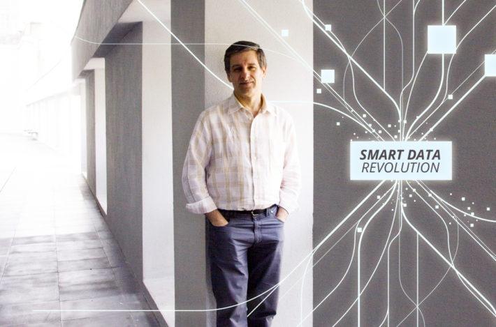 Smart Data Revolution. Technovate Lab 2017. Javier Escobal.